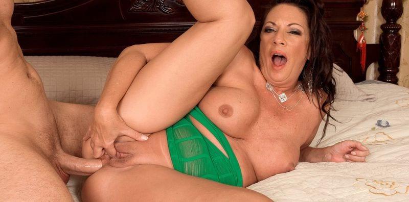 Margo Sullivan Mature Pornstar FREE at Hardpeter Nasty XXX
